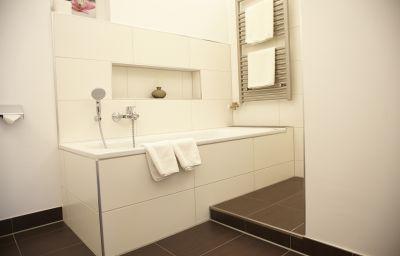 Prinzregent-Nuremberg-Bathroom-1-5091.jpg