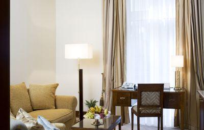 Excelsior_Hotel_Ernst-Koeln-Suite-11-5205.jpg