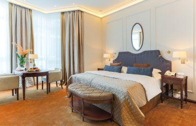 Excelsior_Hotel_Ernst-Koeln-Doppelzimmer_Komfort-1-5205.jpg