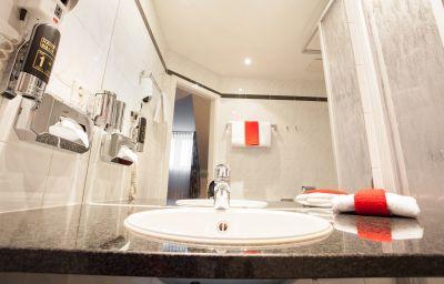 Warsteinerhof_by_Centro_Comfort-Cologne-Bathroom-1-5215.jpg