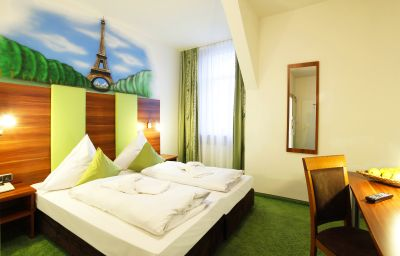 Warsteinerhof_by_Centro_Comfort-Cologne-Double_room_standard-3-5215.jpg