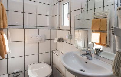 Breslauer_Hof_am_Dom-Cologne-Bathroom-5-5232.jpg
