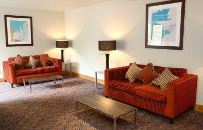Menzies_Hotels_Cambridge-Cambridge-Hotel_bar-3-5418.jpg