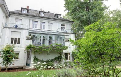 Am_Roemerwall-Mainz-Garden-5570.jpg
