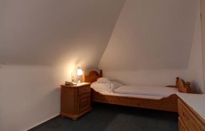 Am_Roemerwall-Mainz-Room-8-5570.jpg