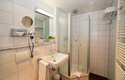 Stadthotel_Freiburg_Kolping_Hotels_Resorts-Freiburg-Double_room_superior-2-5614.jpg