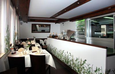 Hotel reussenstein b blingen 3 sterne hotel for Hotelsuche familienzimmer