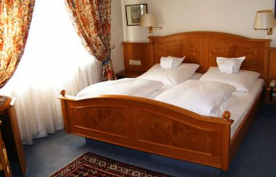 Traube-Stuttgart-Room-2-6462.jpg