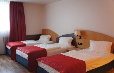 Arvena_Messe_Messezentrum-Nuremberg-Triple_room-6820.jpg