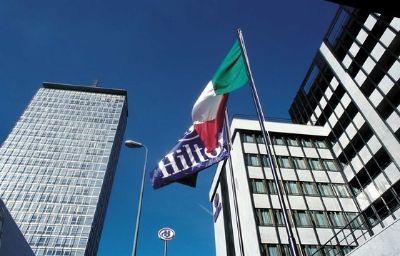 Hilton_Milan_hotel-Milan-Exterior_view-5-7017.jpg