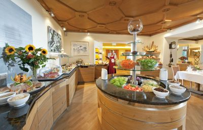 Schweizerhof_Sport-Beautyhotel-Kitzbuehel-Restaurant-2-7599.jpg