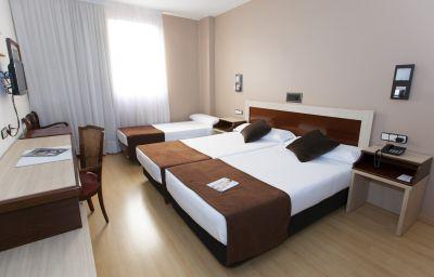 Dreibettzimmer Zaragoza Royal