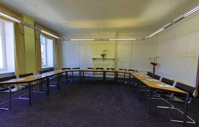 Europe-Davos-Seminar_room-1-8301.jpg