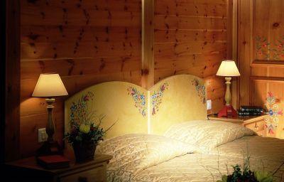 Edelweiss_Manotel-Geneva-Double_room_standard-2-8328.jpg