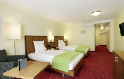 Best_Western_Plus_Hotel_Bahnhof-Schaffhausen-Room-31-8410.jpg
