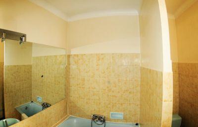 Mondial-Perpignan-Double_room_standard-7-8411.jpg