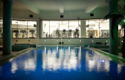 Swimming pool Preluna Hotel & Towers