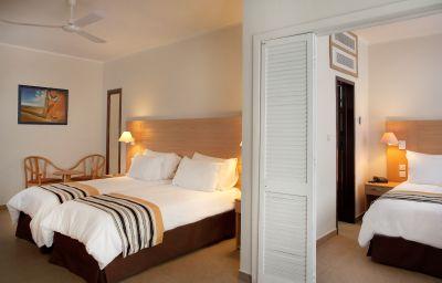 Preluna_Hotel_Towers-Sliema-Family_room-9179.jpg