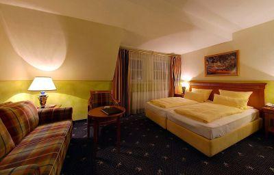 Schlosshotel_Gruenwald-Gruenwald-Double_room_superior-6-9468.jpg