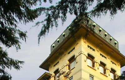 Vista exterior Palace Grand Hotel Varese