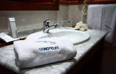 Bathroom Oriente