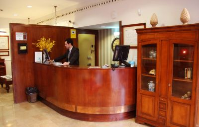 Oriente-Zaragoza-Hall-3-9850.jpg