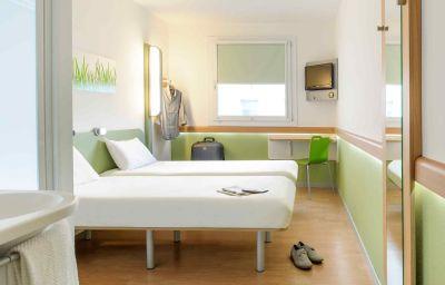 Ibis_Budget_Duisburg_City_am_Innenhafen-Duisburg-Room-6-9920.jpg