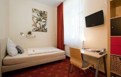 Domstern_Nichtraucherhotel-Cologne-Single_room_standard-9967.jpg