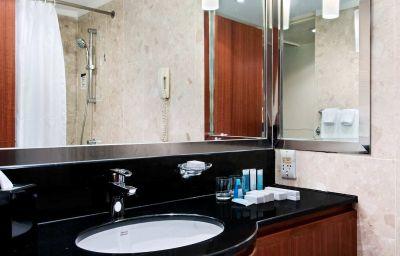 Hilton_Singapore-Singapore-Room-21-10115.jpg