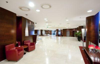 Crowne_Plaza_BRATISLAVA-Bratislava-Hall-21-10318.jpg