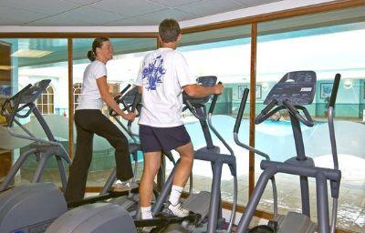 Hilton_St_Annes_Manor_Bracknell-Wokingham-Fitness_room-1-10432.jpg