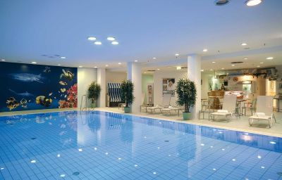 Pool Maritim proArte Berlin