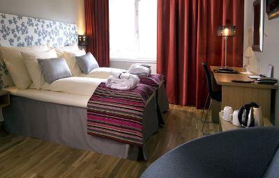 RICA_ARCTIC_HOTEL-KIRKENES-Kirkenes-Standardzimmer-1-10620.jpg