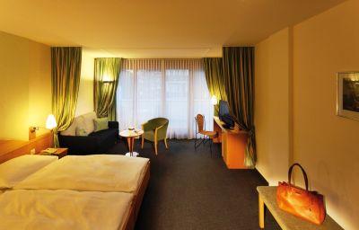 Hotel_Perren_Superior-Zermatt-Double_room_superior-2-10832.jpg