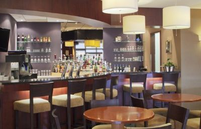 Holiday_Inn_CALAIS-Calais-Hotel_bar-5-11619.jpg