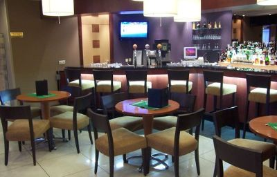 Holiday_Inn_CALAIS-Calais-Hotel_bar-3-11619.jpg