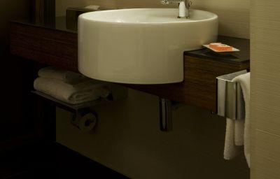 NH_Milano_Touring-Milan-Bathroom-1-11741.jpg