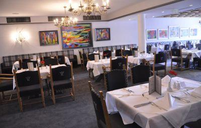 Karwendelhof-Seefeld_in_Tirol-Restaurantbreakfast_room-2-12301.jpg