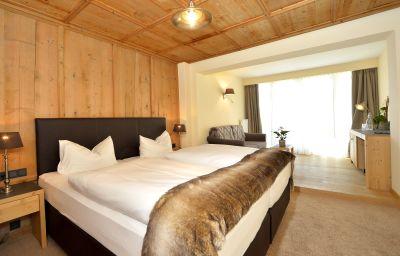 Room with balcony Karwendelhof