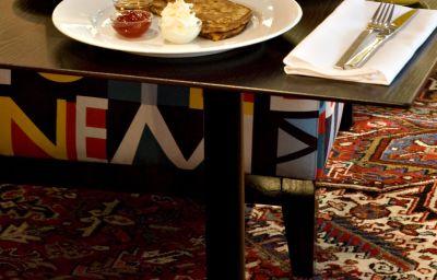 Sala śniadaniowa Rival