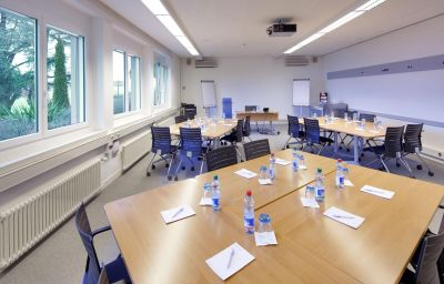 Hotel_du_Leman_Centre_de_Seminaires-Jongny-Meeting_room-1-12786.jpg