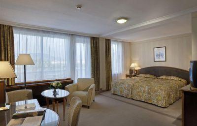 Danubius_Health_Spa_Resort_Margitsziget-Budapest-Suite-3-13600.jpg