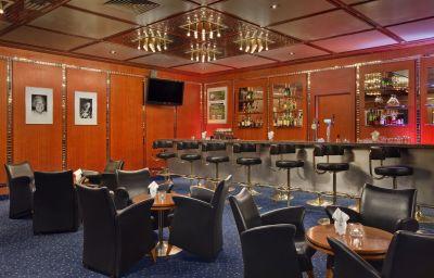 Hotel bar Hilton Innsbruck