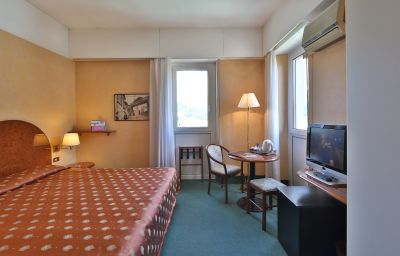 Best_Western_Continental-Como-Room-9-13849.jpg