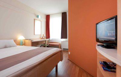 ibis_Bonn-Bonn-Room-2-13868.jpg
