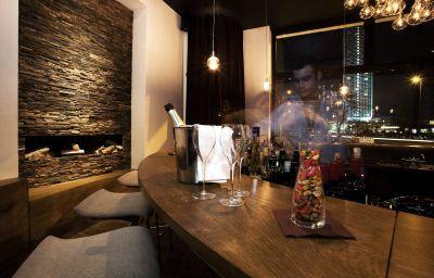 Hotel bar Lux 11