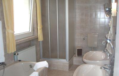 Hasenjaeger-Einbeck-Double_room_standard-3-14854.jpg