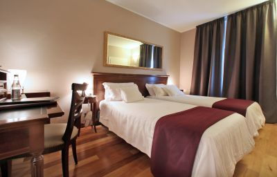 Grand_Hotel-Verona-Double_room_standard-1-14924.jpg