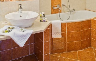 Salle de bains Mercure Budapest City Center Hotel