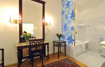 Palais-Hotel_Erzherzog_Johann-Graz-Junior_suite-2-17389.jpg